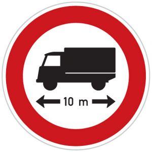 Zákaz vjezdu vozidel nebo souprav vozidel, jejichž délka přesahuje vyznačenou mez
