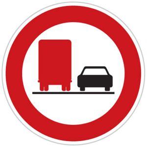 Zákaz předjíždění pro nákladní automobily