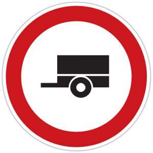 Zákaz vjezdu motorových vozidel s přívěsem